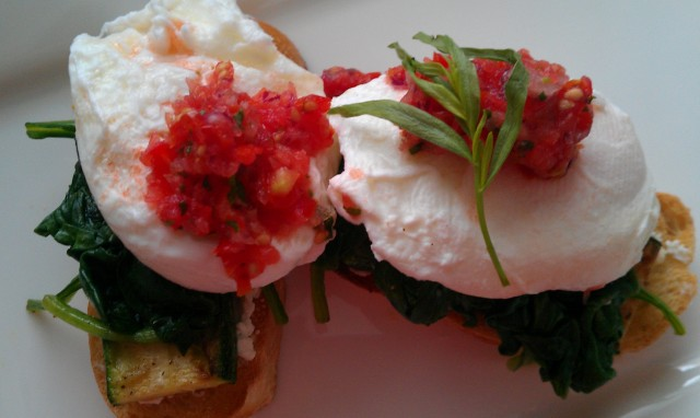 http://www.blissfulkitchenblog.com/blissful-eggs-benedict/